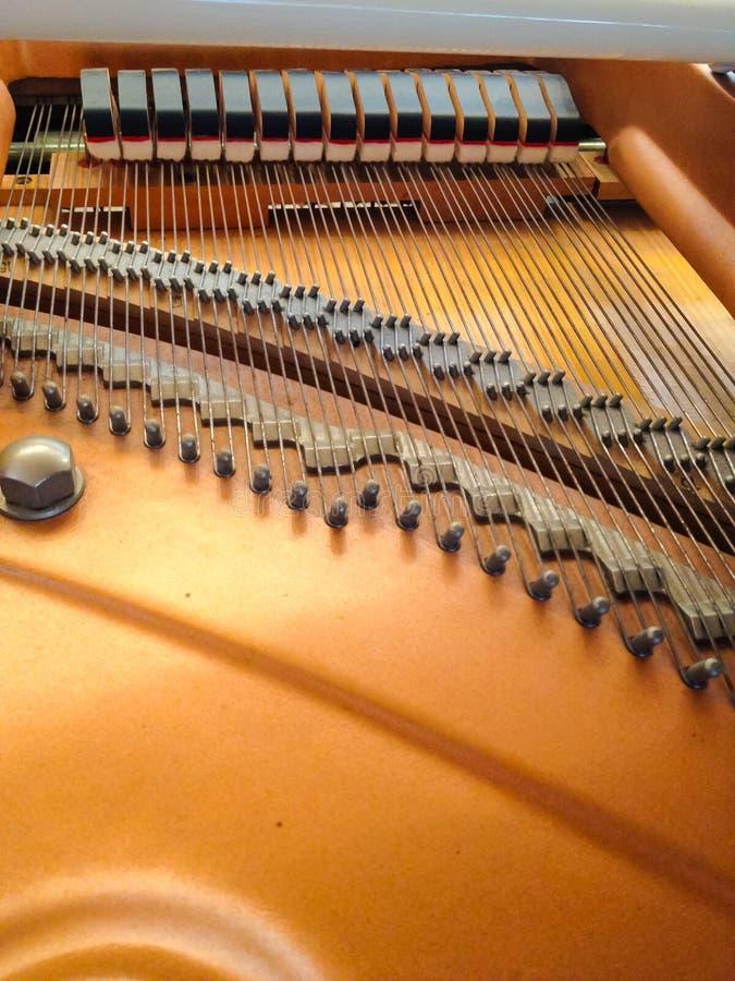 Parte posterior del piano imagen de archivo libre de regalías
