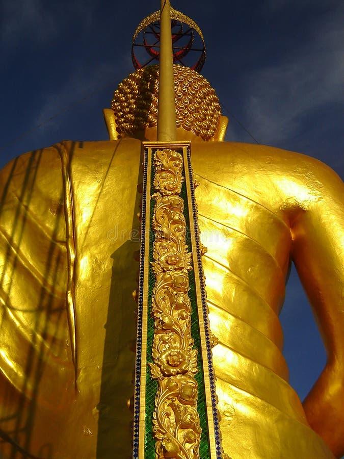 Parte posterior grande de Buddha del oro foto de archivo