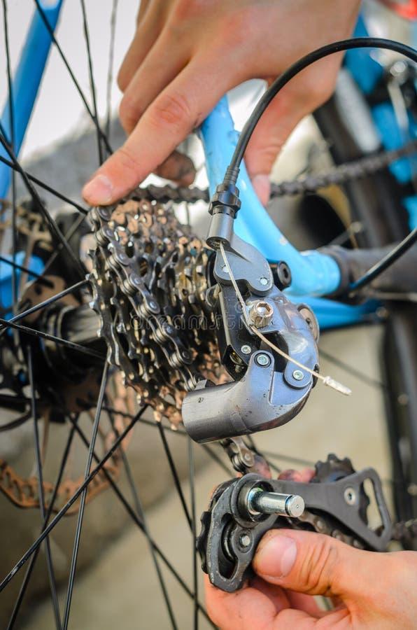 Parte posterior quebrada Derailleur de la bicicleta fotografía de archivo libre de regalías