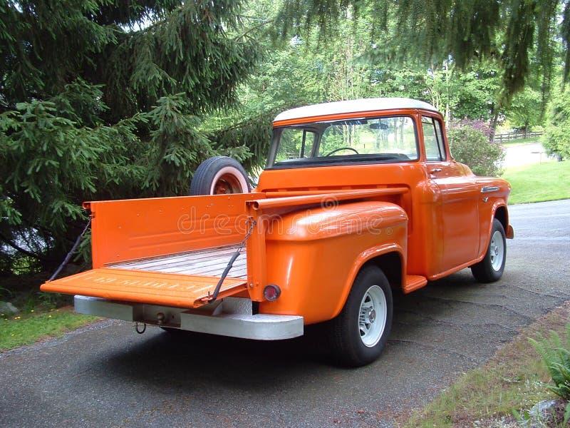 Download Parte Posteriore Di 56 Chevy Immagine Stock - Immagine di automobile, arancione: 205173