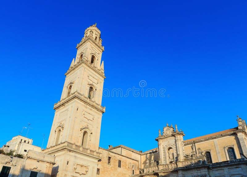 Parte superior da catedral de Lecce, Lecce, Itália imagens de stock royalty free