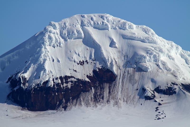 Parte superior da montanha da península antárctica imagem de stock royalty free