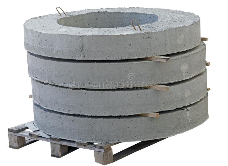 Parte superior de pozos de agua concretos en blanco imagen de archivo