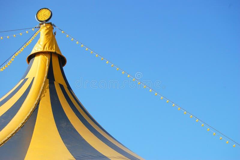 Parte superior de uma tenda do circus foto de stock royalty free