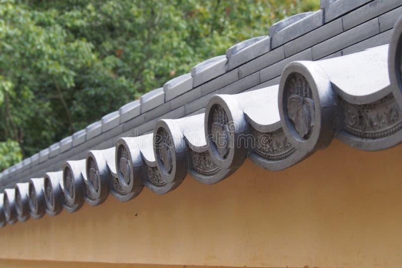 Parte superior japonesa tradicional do telhado imagens de stock royalty free