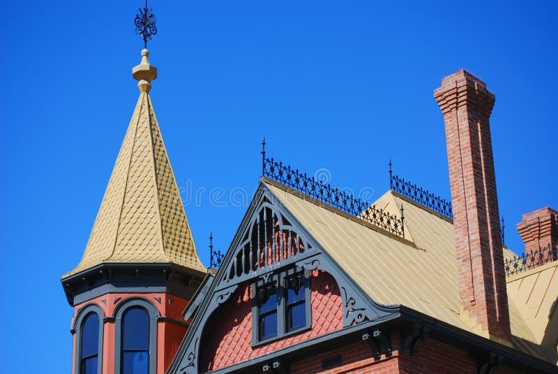 Parte superiore del tetto della casa fotografie stock