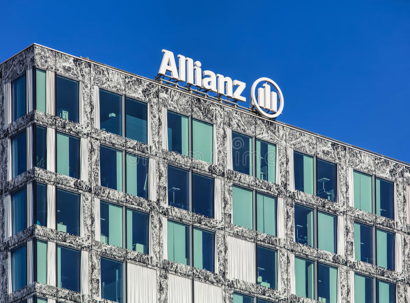 Parte superiore dell'edificio dell'Allianz Suisse in Wallisellen, Switze fotografia stock