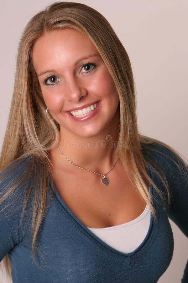 Parte superiore teenager dell'azzurro del ritratto fotografie stock libere da diritti