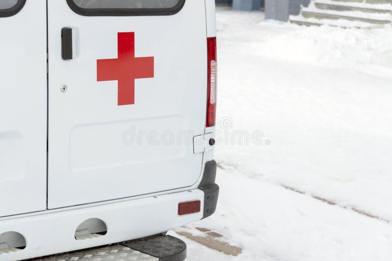 A parte traseira de uma ambulância fotos de stock royalty free