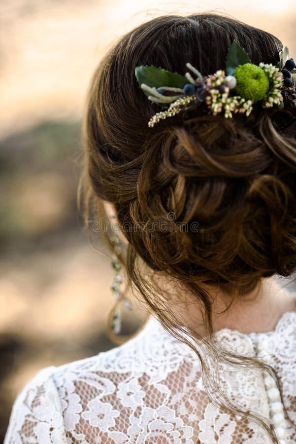 Parte traseira do cabelo da noiva fotografia de stock