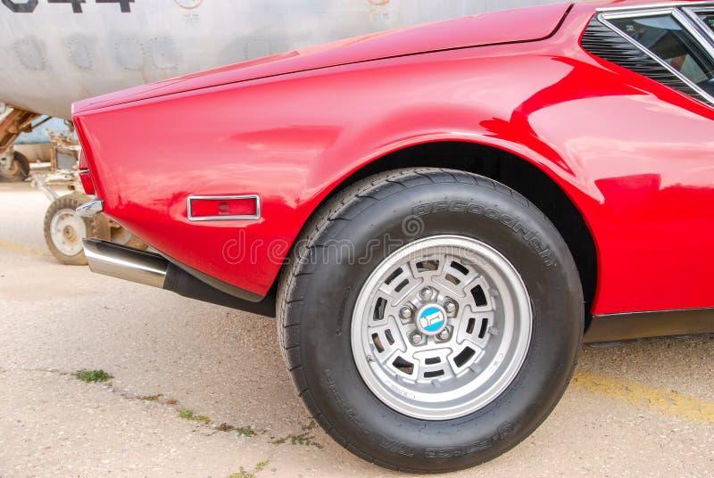 Parte traseira do carro de esportes De do vintage Tomaso Pantera GTS, 1972 indicados no ar israelita fotos de stock royalty free