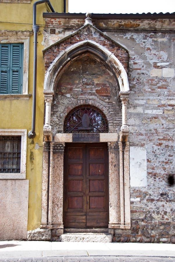 Parte trasera de la iglesia de San Zeno en oratorio fotos de archivo libres de regalías