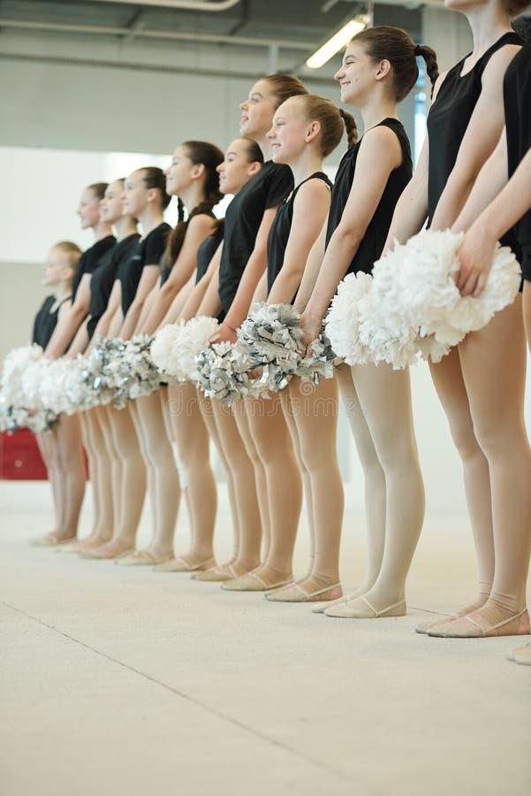 Partecipanti al concorso cheerleader immagine stock