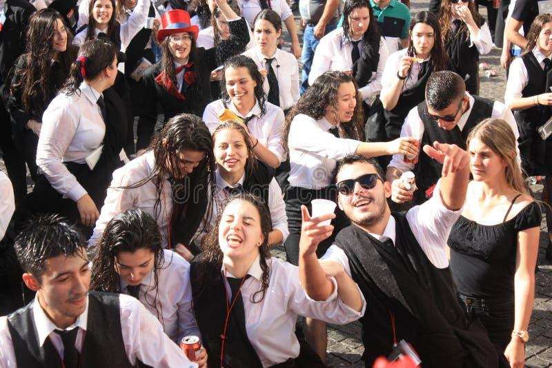 Partecipanti durante la celebrazione tradizionale immagini stock libere da diritti