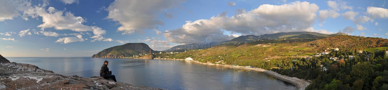 Partenit海湾和Ayu Dag山,克里米亚 库存图片