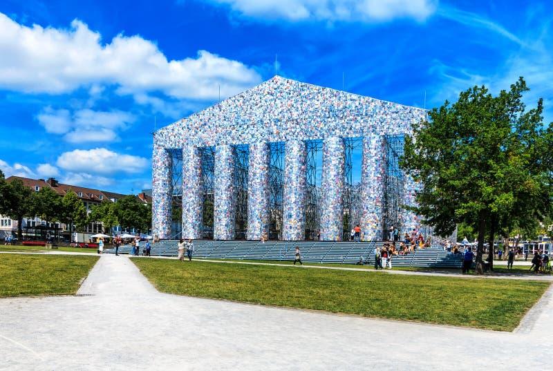 Partenon do templo da arte dos livros- no Friedrichsplatz em Kassel, Alemanha foto de stock royalty free
