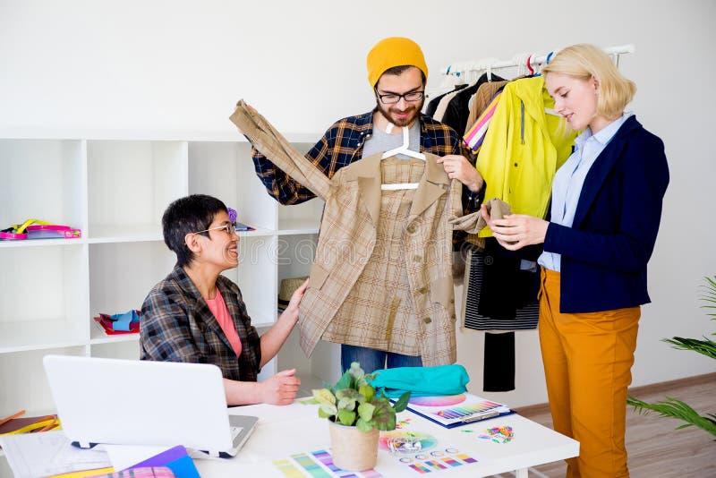 Partenza del negozio dell'abbigliamento immagine stock libera da diritti