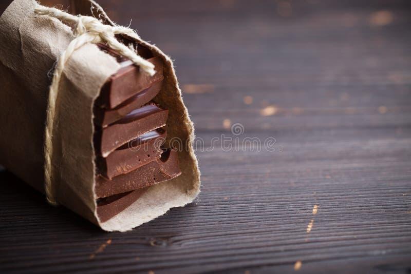Partes de chocolate embaladas fotos de stock