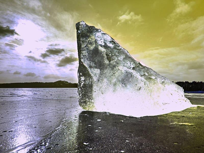 Partes de geleira uma prateleira de gelo Gelo que flutua livremente imagens de stock