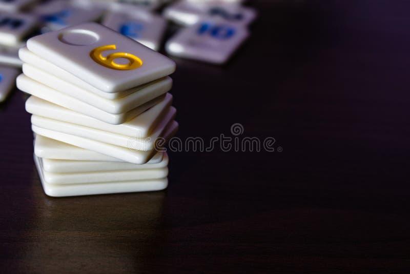 partes de râmi colocadas em ordem na tabela foto de stock