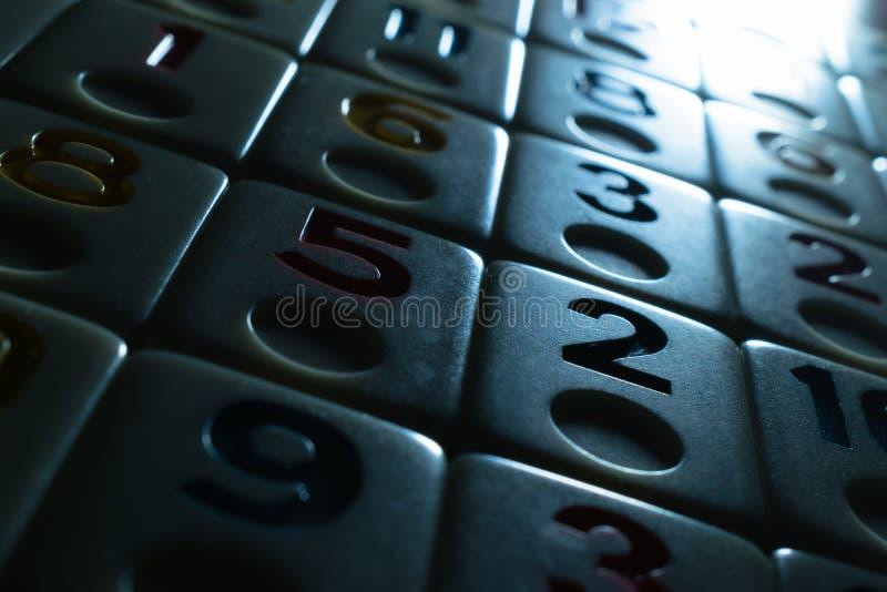partes de râmi colocadas em ordem na tabela imagens de stock