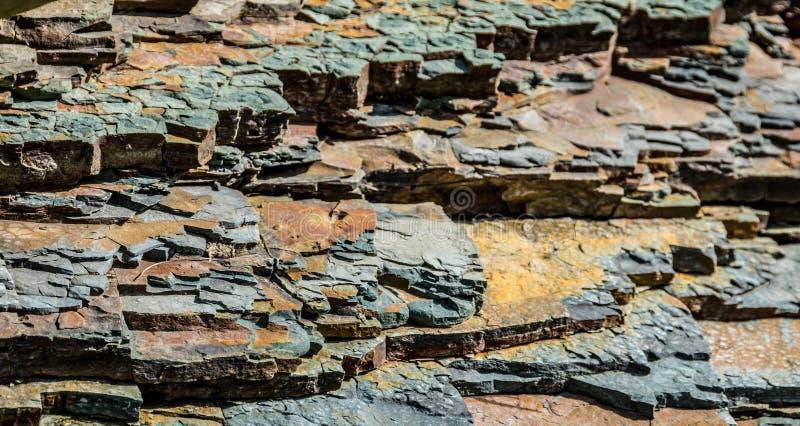 Partes de rocha mergulhada Textura natural foto de stock royalty free