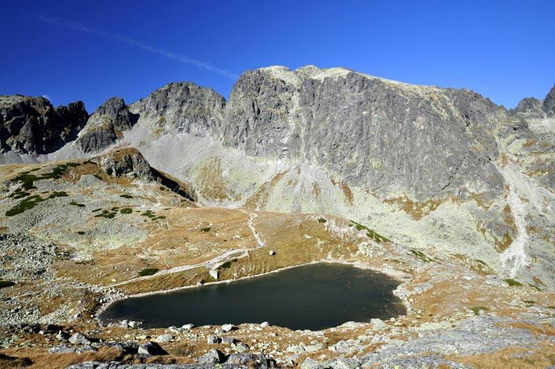 Partes superiores de montanhas elevadas de Tatras em Slovakia. fotografia de stock royalty free