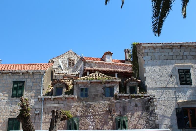 Partes superiores do telhado fotografia de stock royalty free