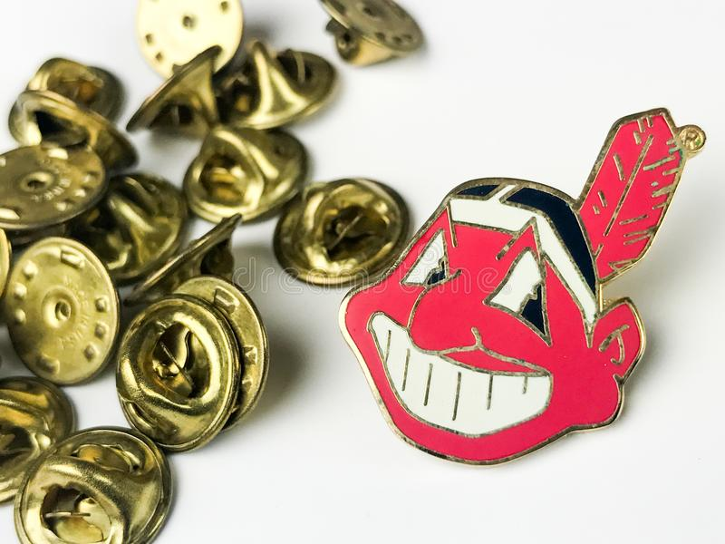 Partes traseiras de Cleveland Indians Lapel Pin e do Pin fotografia de stock royalty free
