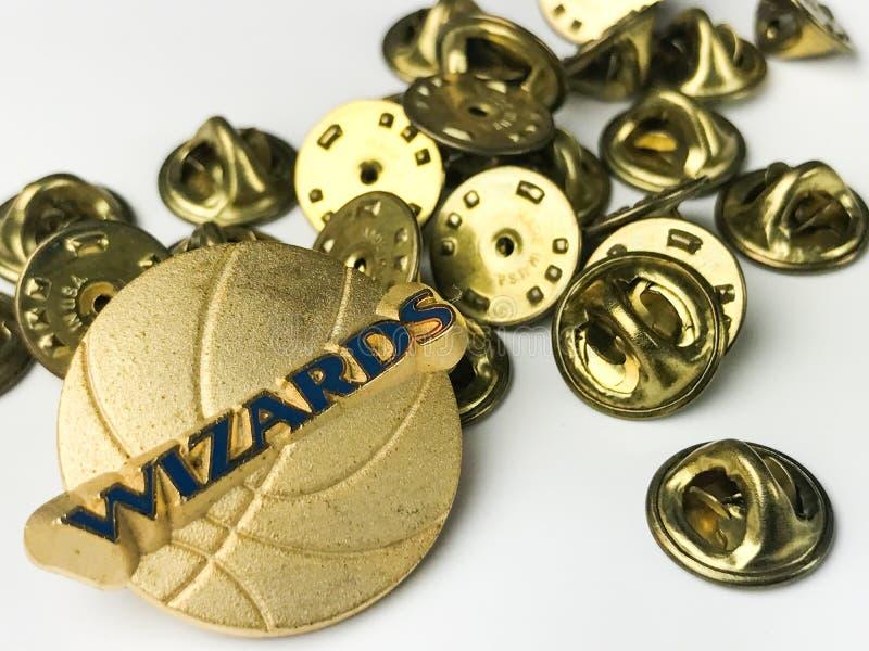Partes traseiras de Washington Wizards Lapel Pin e do Pin imagem de stock royalty free