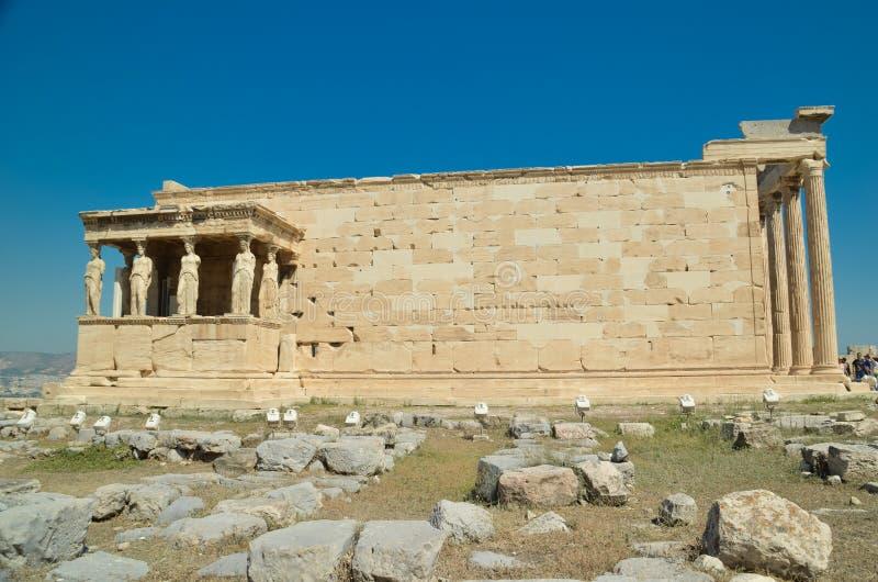 parthenon στις αρχαίες καρυάτιδες μνημείων της Αθήνας Ελλάδα στοκ φωτογραφία με δικαίωμα ελεύθερης χρήσης
