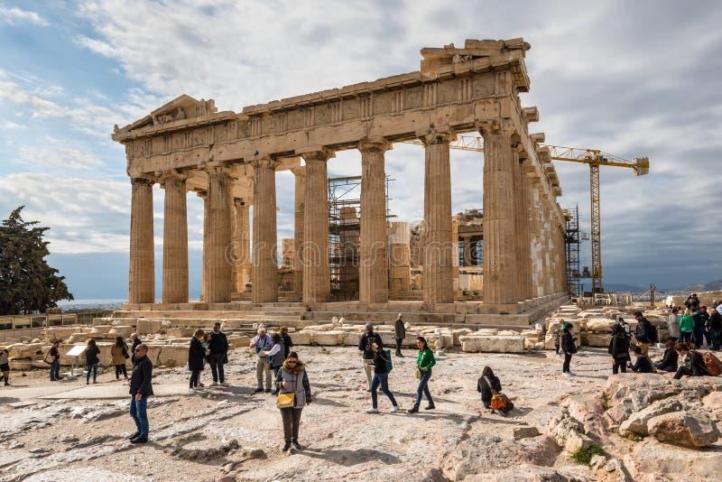 Parthenon del templo antiguo en la acrópolis de Atenas, Grecia imagenes de archivo