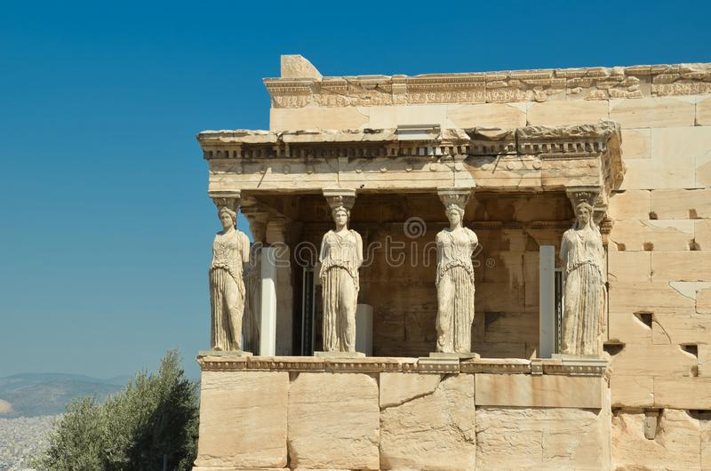 Parthenon in den alten Monumentkaryatiden Athens Griechenland stockbilder