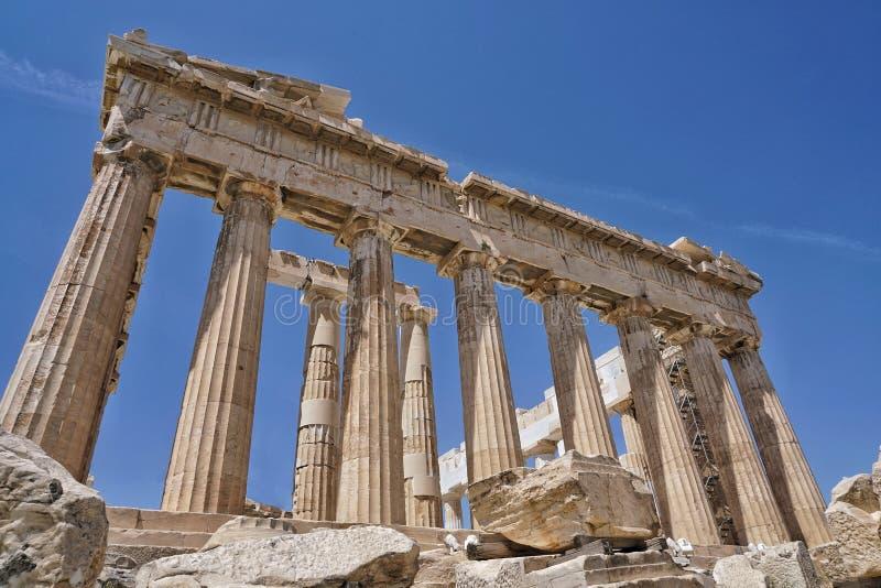 Parthenon jest świątynią na Ateńskim akropolu w Ateny, Grecja obraz royalty free