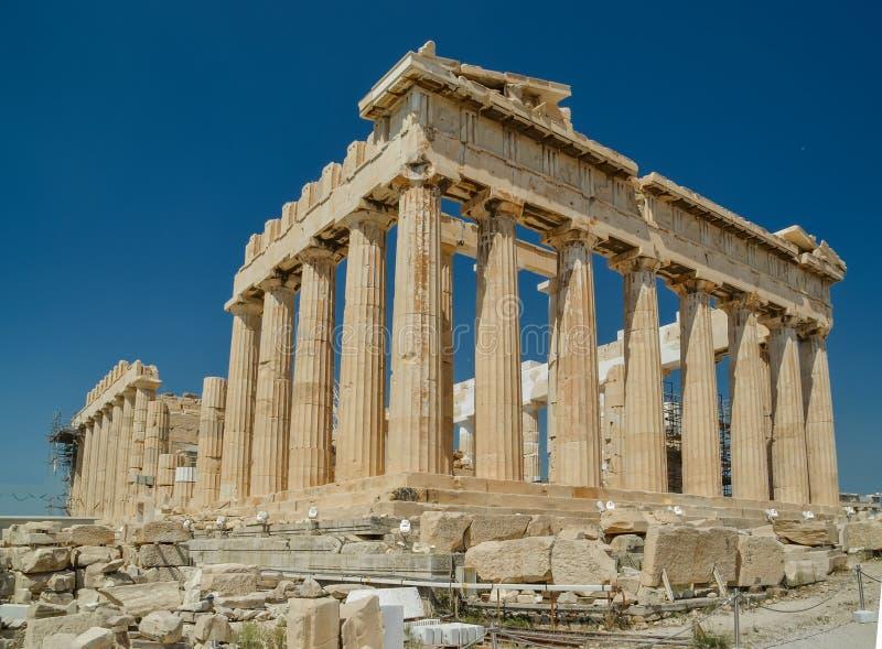 Parthenongammalgrekiskatempel i grekisk huvudAten Grekland arkivbilder
