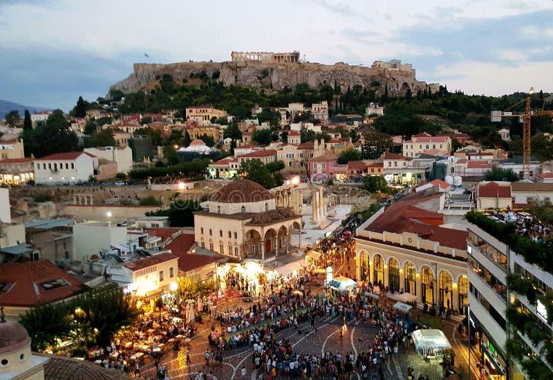 Parthenontempel och Monastiraki plaza, Aten, Grekland royaltyfri fotografi