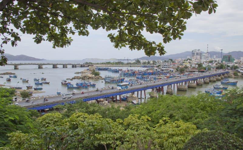 Parti di collegamento del ponte della città fotografia stock