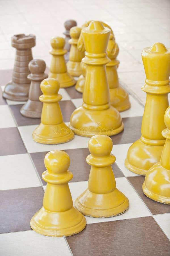Parti di scacchi su una tabella fotografie stock libere da diritti