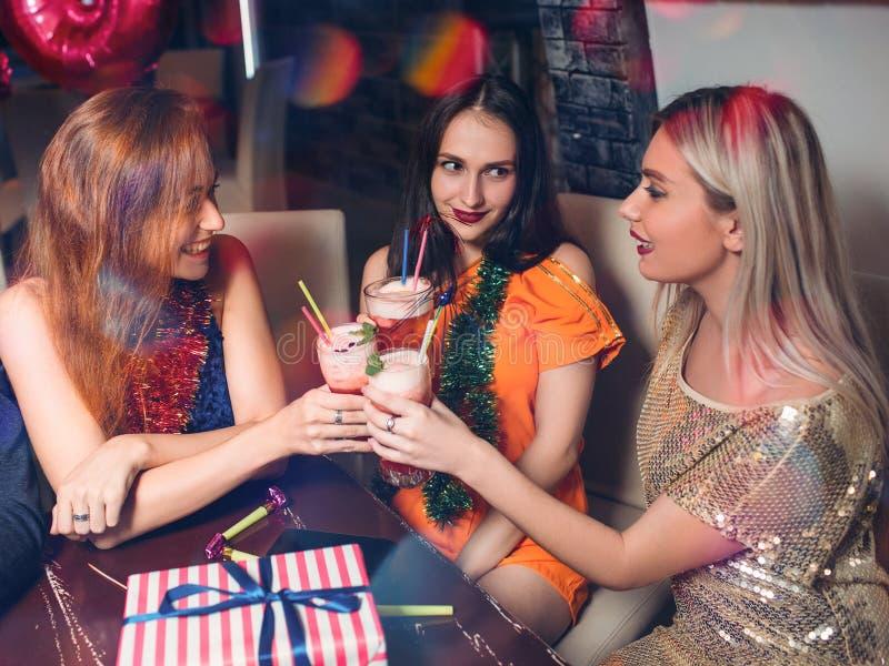 Parti för lycklig jul Glad fritid royaltyfria bilder