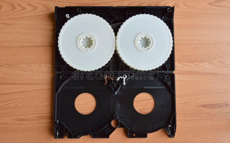 Parti separate del video-registratore sulla tavola immagini stock