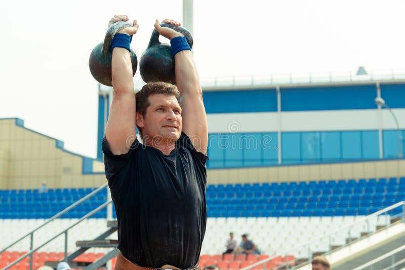 Participante de competições powerlifting fotos de stock