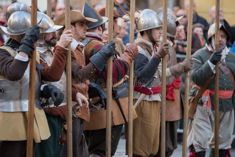 Participantes do partido medieval do traje imagem de stock royalty free