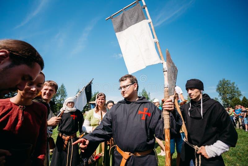 Participants de guerriers VI de festival de médiéval photo stock