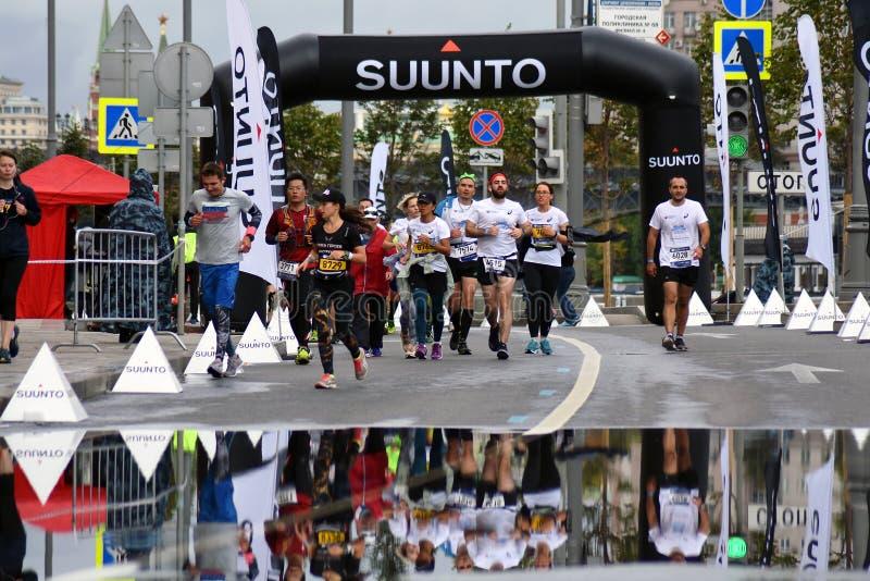 Participants de marathon de 6 Moscou image libre de droits
