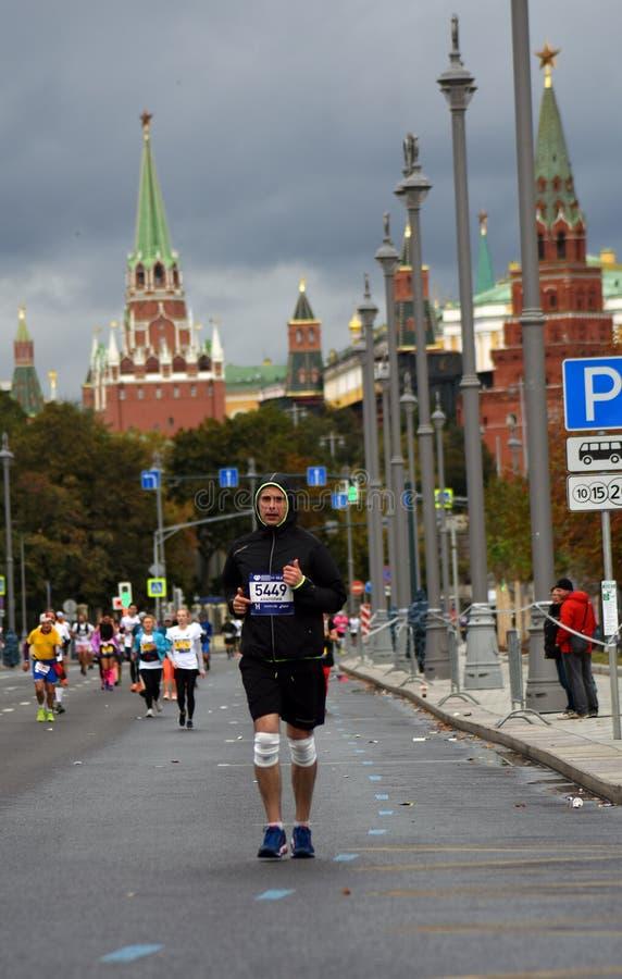 Participants de marathon de 6 Moscou photographie stock libre de droits