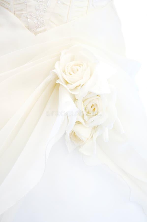 Particolare del vestito da cerimonia nuziale fotografie stock libere da diritti