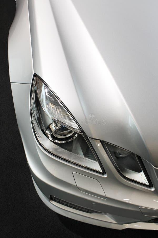 Particolare dell'automobile, indicatori luminosi, argento metallico fotografia stock libera da diritti