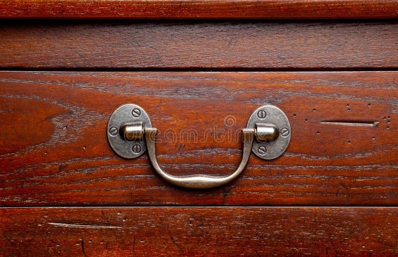 Particolare di legno antico dei cassetti fotografie stock libere da diritti