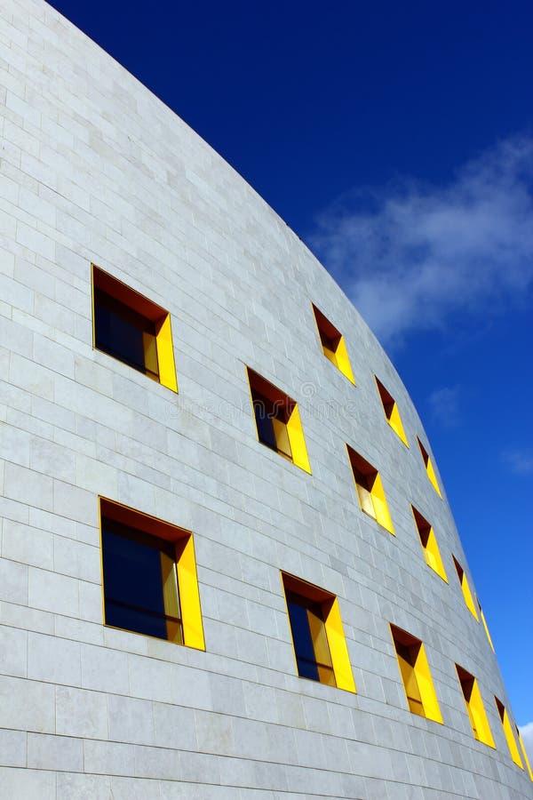 Particolare di una costruzione moderna a Lisbona fotografia stock libera da diritti