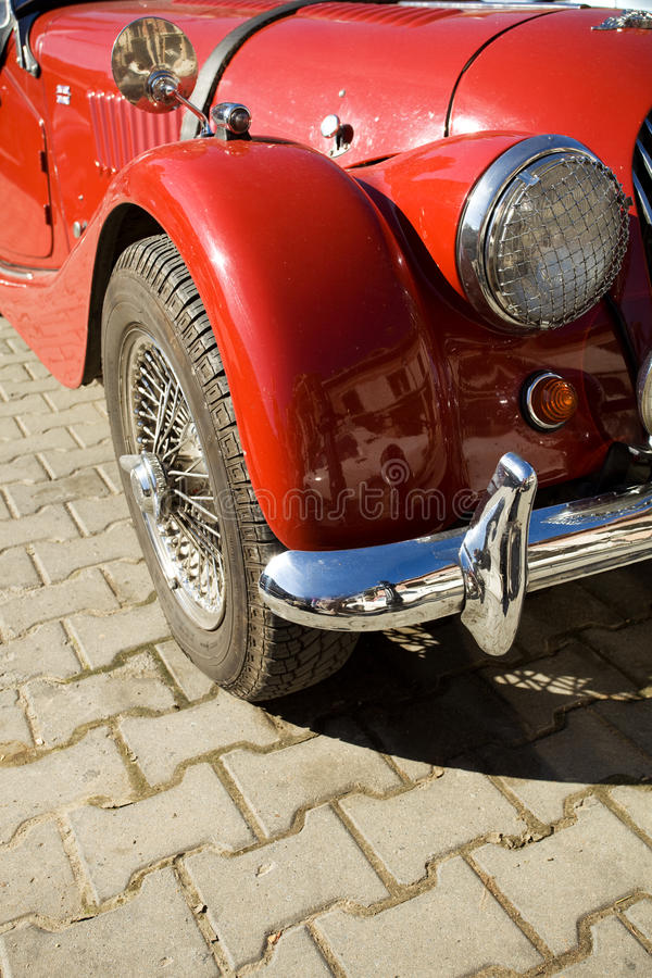 Particolare rosso dell'automobile dell'annata fotografie stock libere da diritti